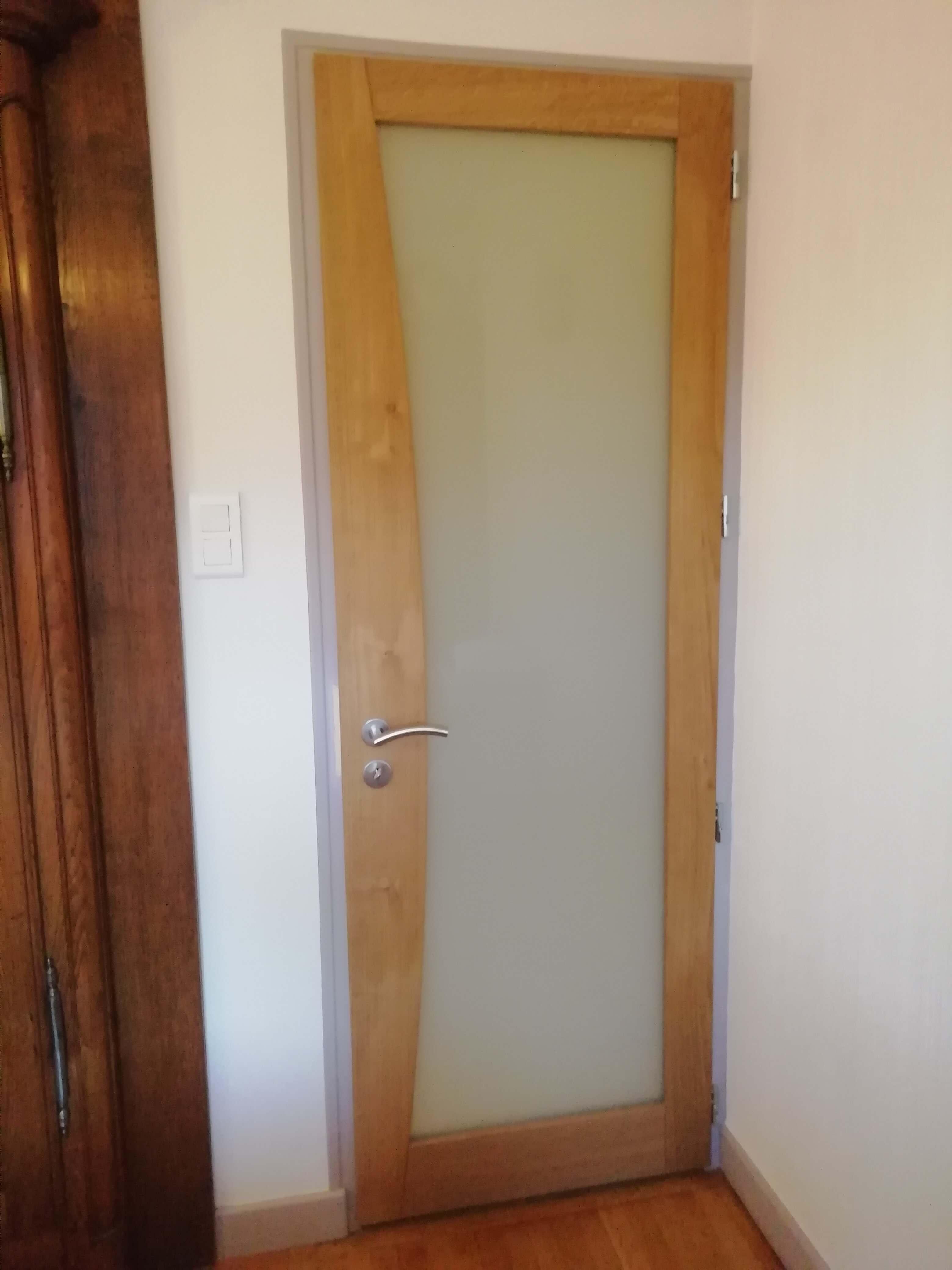 Menuiserie Figard - Fabrication sur mesure - Porte d'intérieur vitrée opale - Chêne - Vesoul