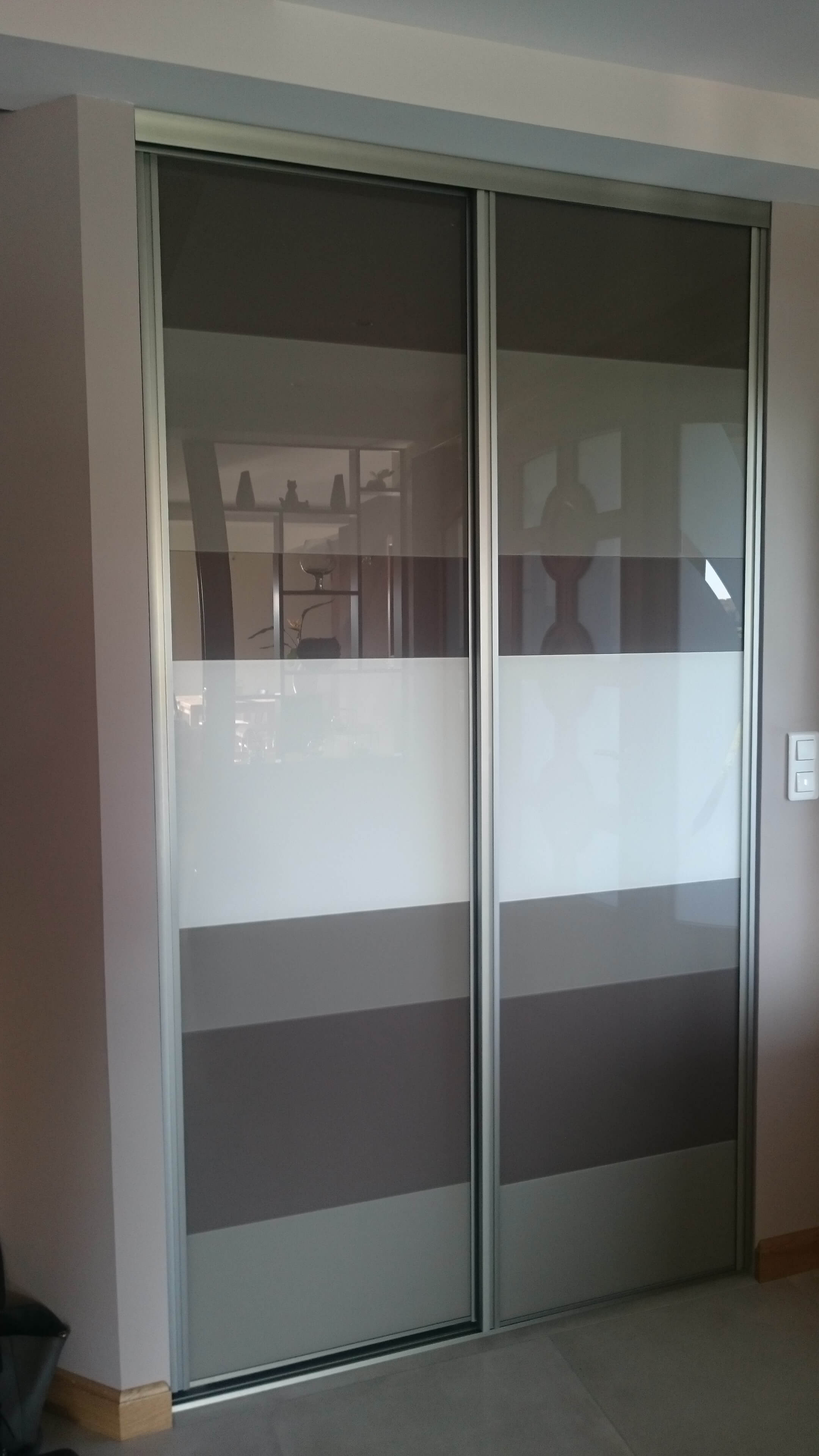 Menuiserie Figard - Fabrication sur mesure - Porte coulissante - Dressing - Verre laqué - Vesoul