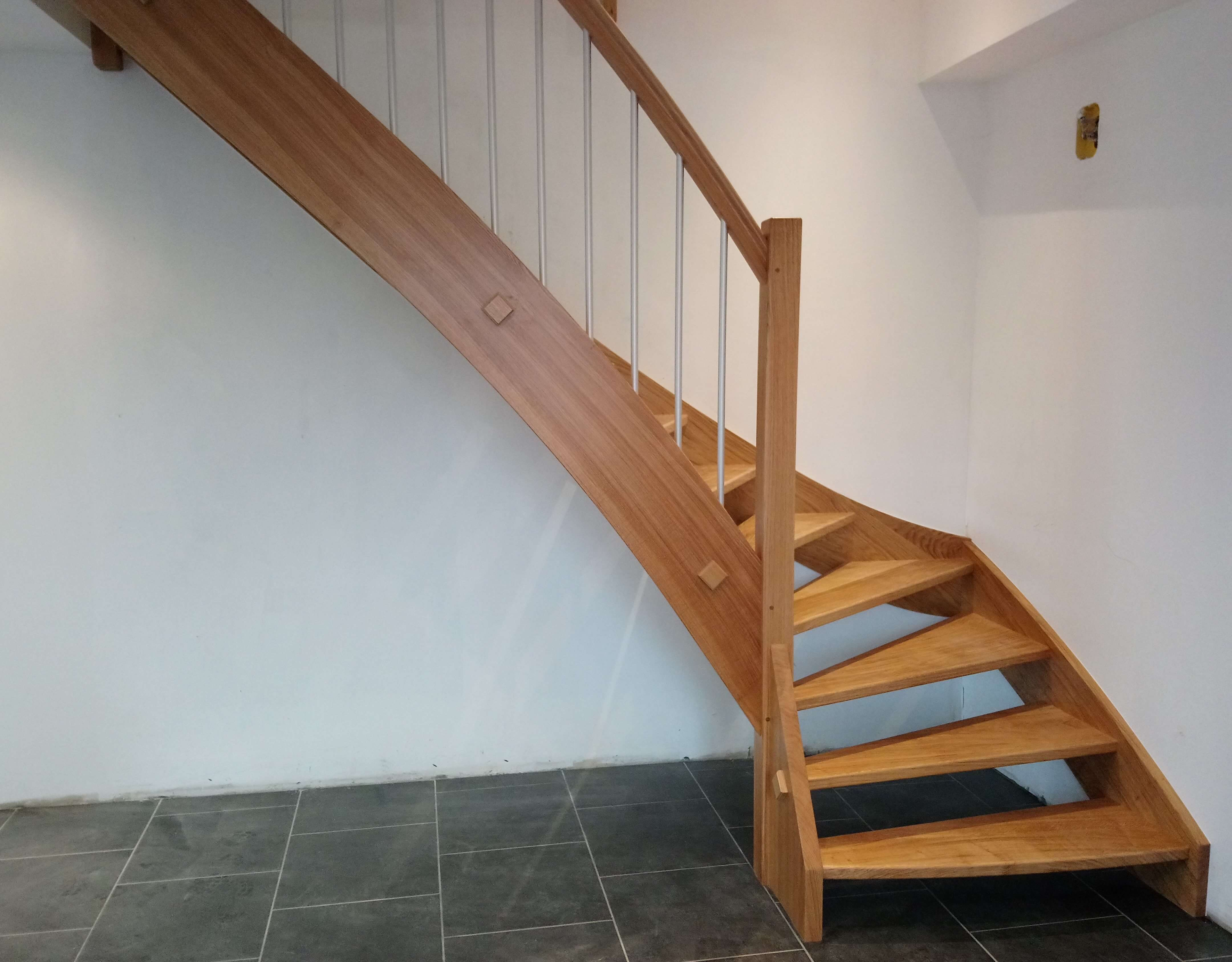 Menuiserie Figard - Fabrication sur mesure - Escalier 1/4 tournant - Chêne alu - Vesoul