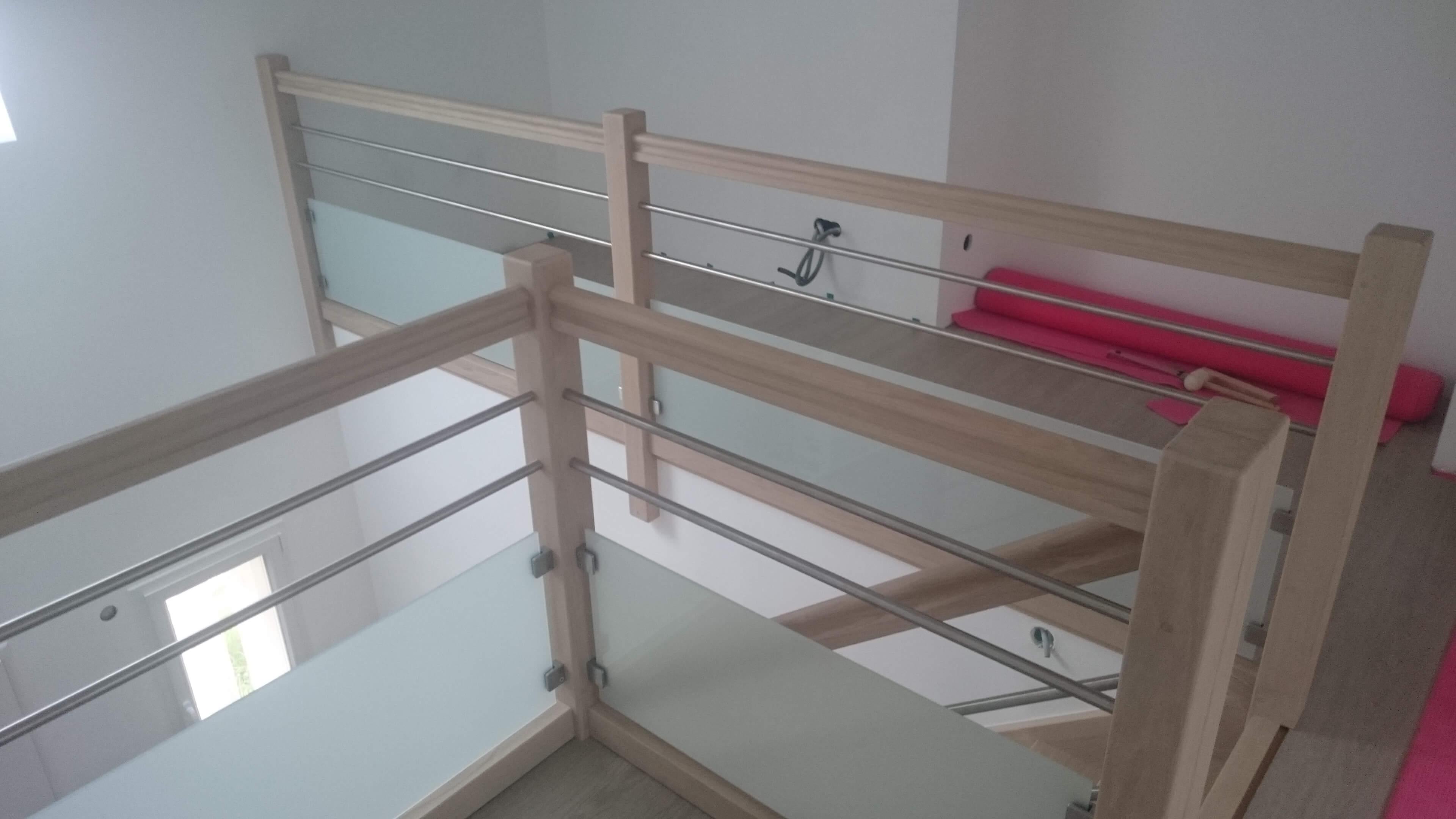Menuiserie Figard - Fabrication sur mesure - Garde corps - Chêne blanchi inox verre opale - Vesoul