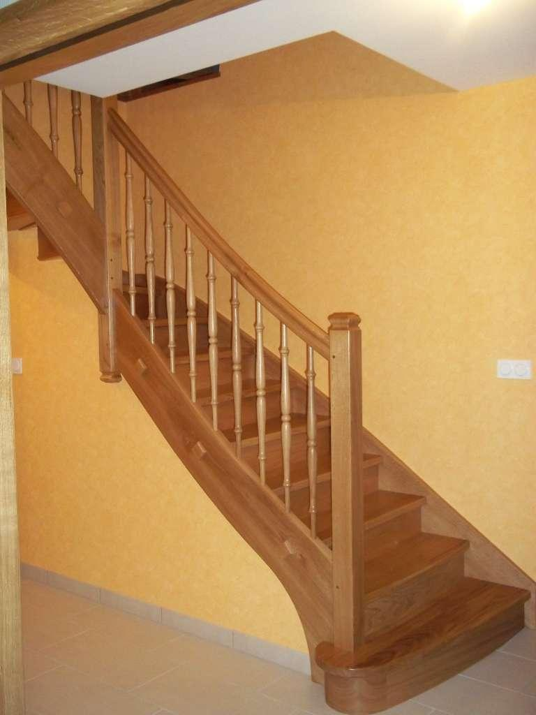 Menuiserie Figard - Fabrication sur mesure - Escalier 1/4 tournant - Chêne - Vesoul