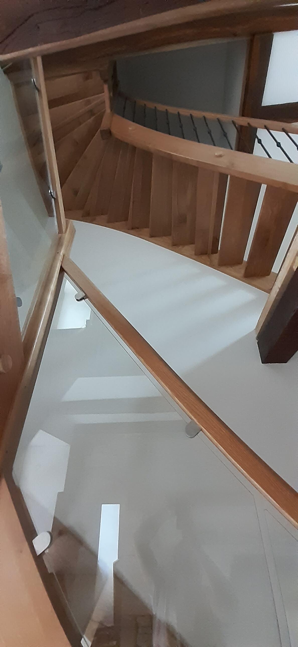 Menuiserie Figard - Fabrication sur mesure - Escalier 1/4 tournant - Chêne verre métal - Vesoul