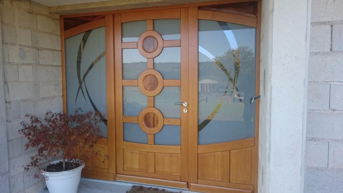 Menuiserie Figard - Fabrication sur mesure - Porte d'entrée cintrée - Chêne - Vesoul